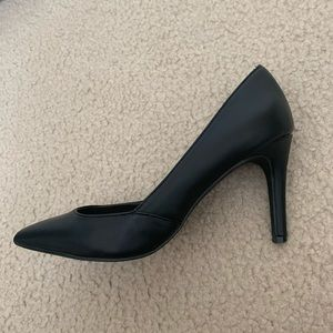 Cathy Jean Black Leather Pointed Heels